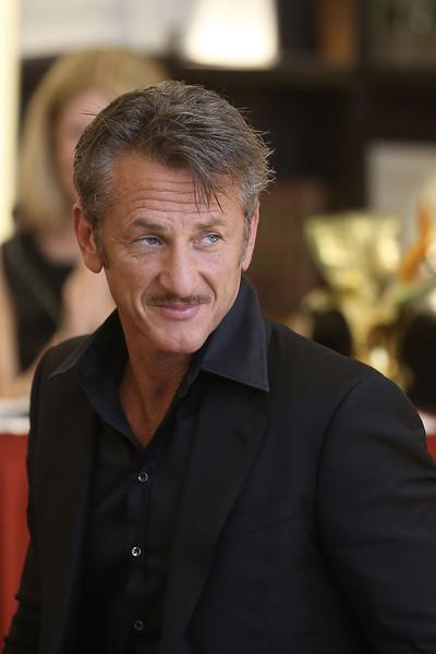 Sean Penn no es un golpeador de mujeres