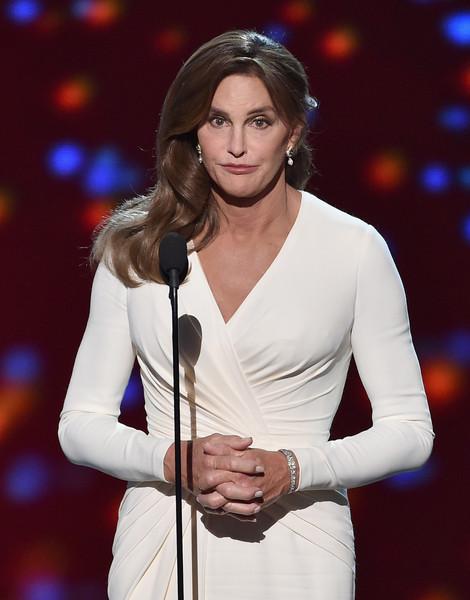 Caitlyn Jenner no apoya el matrimonio gay - Wait! What?