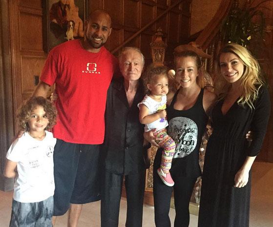 Kendra Wilkinson y familia visitan la Mansión Playboy