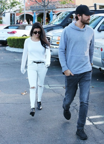 Kourtney Kardashian y Scott trabajan en su relación