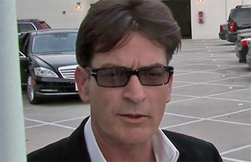 Charlie Sheen dice que su sangre es libre de VIH