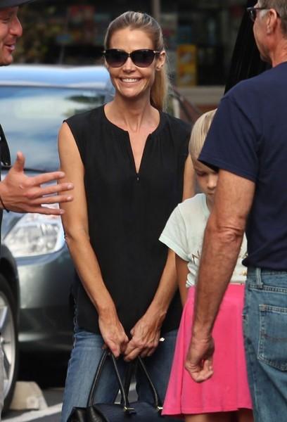Denise Richards sabia que Charlie Sheen era VIH Positivo?