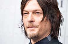Walking Dead, Norman Reedus mordido por una fan – WTF?