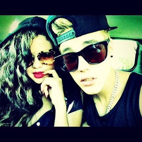 Justin Bieber le canta a Selena Gomez - Volvieron?
