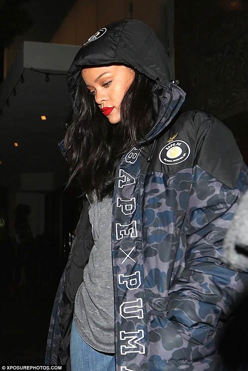 Rihanna en un tiroteo. WHAT?