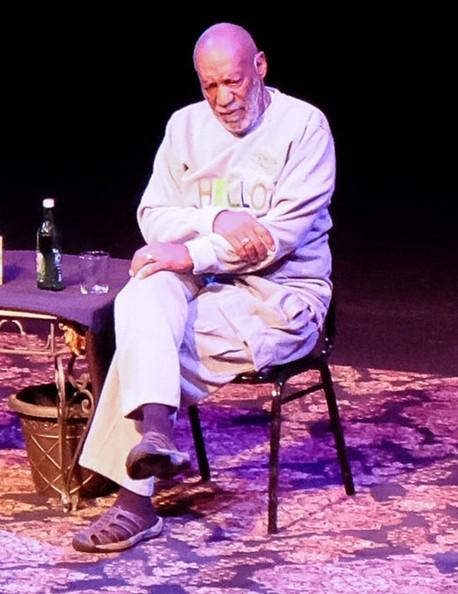 Emiten orden de arresto contra Bill Cosby