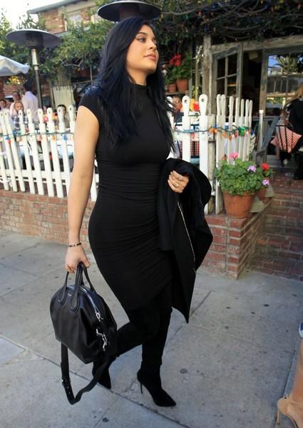 Kylie Jenner comprometida? Atrapan a su acosador!