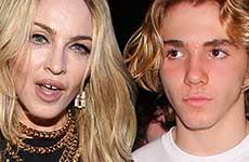 El hijo de Madonna dice que ella lo trata como trofeo