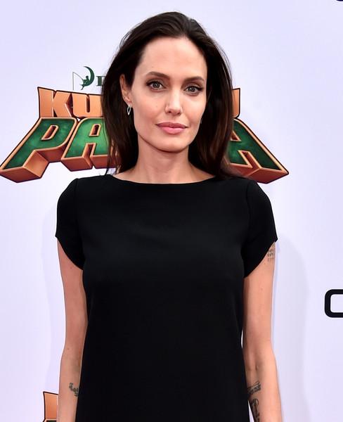 Angelina Jolie Super flaca Premier de Kung Fu Panda 3