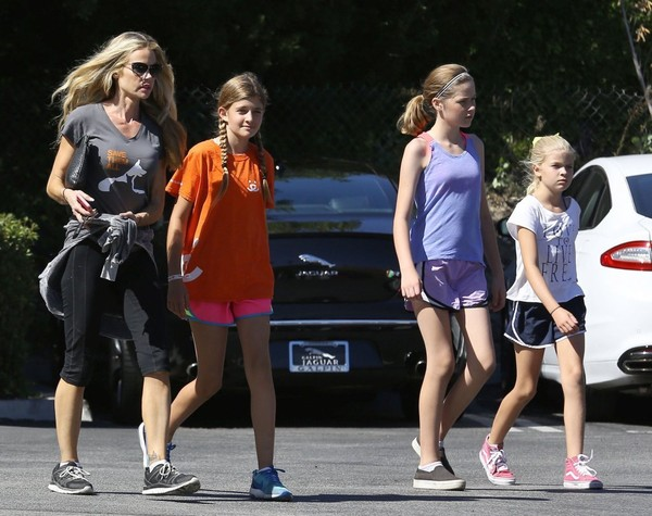 Charlie Sheen insulta a sus hijas y a su ex Denise Richards