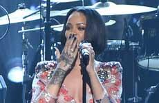 "Rihanna pospone gira ""Anti"""