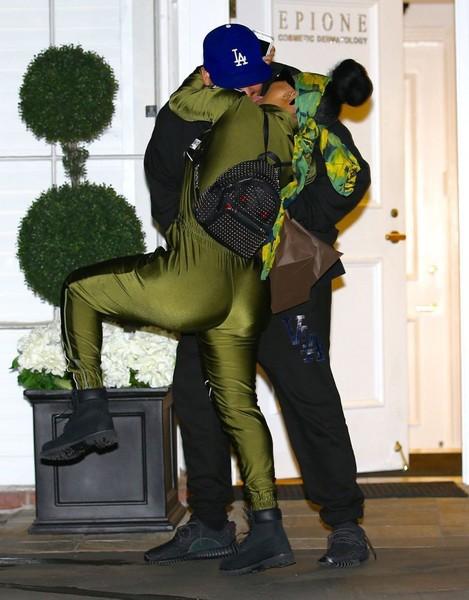 Rob Kardashian y Blac Chyna terminaron? No, él se mudó!