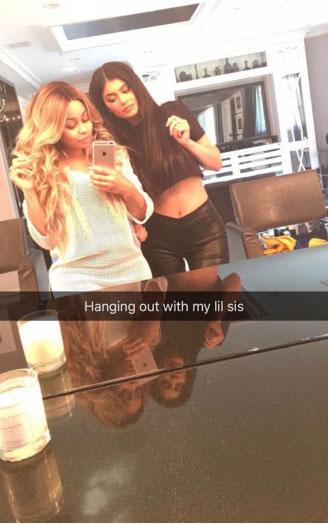 Kylie Jenner y Blac Chyna posan juntas - BFF!