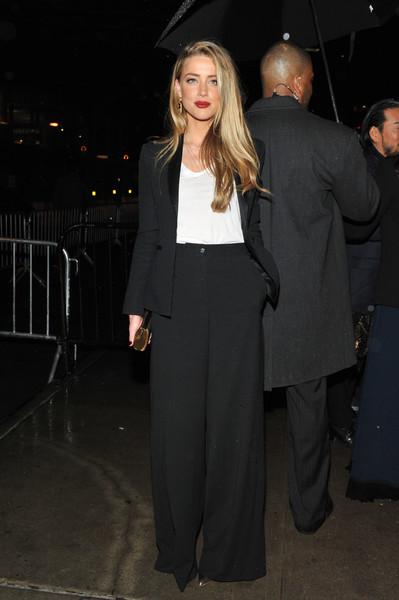 Amber Heard niega chantaje, habla con la policia