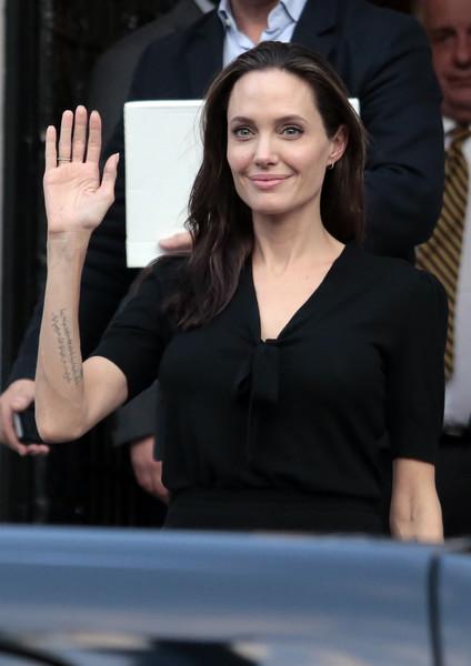 Angelina Jolie Profesora en Londres