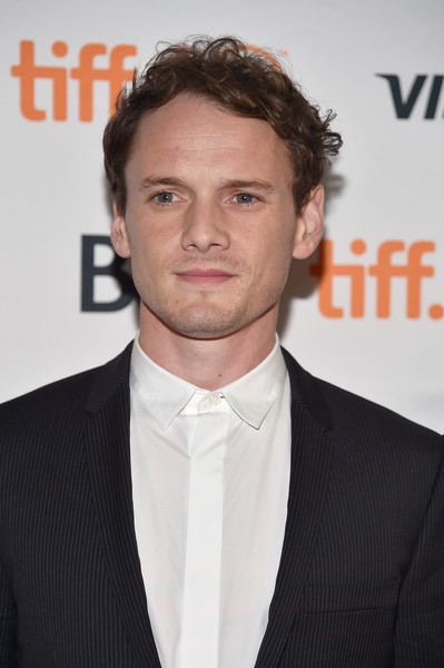 Star Trek, Anton Yelchin muere en accidente – Chismes enlatados!