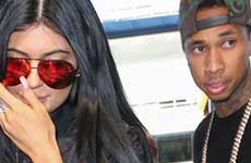 Kylie Jenner pide a Tyga que se mude con ella!
