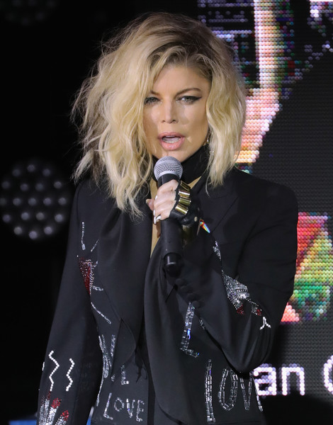 Fergie promociona su nueva canción MILF $