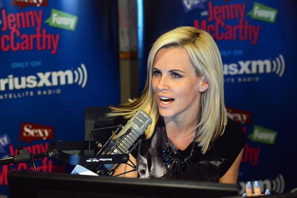 Tara Reid pelea con Jenny McCarthy en la radio