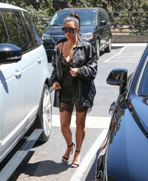 Kim Kardashian publica llamada de Taylor y Kanye sobre Famous
