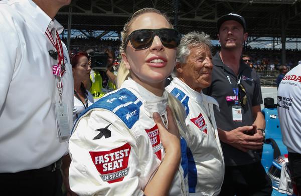 Lady Gaga ya tiene licencia de conducir
