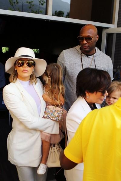 Lamar Odom niega manutención a Khloe Kardashian