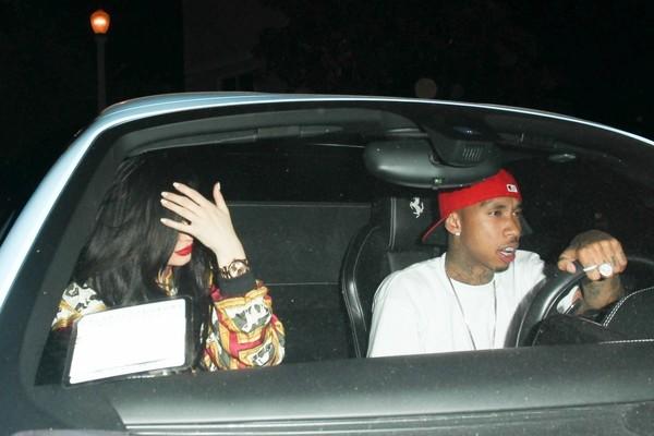 Tyga ordena a Kylie Jenner se aumente el trasero?