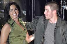 Demi Lovato y Nick Jonas: tributo a victimas de Orlando