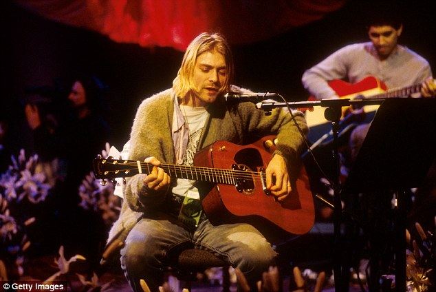 Frances Bean Cobain guerra con Isaiah Silva por guitarra de su padre