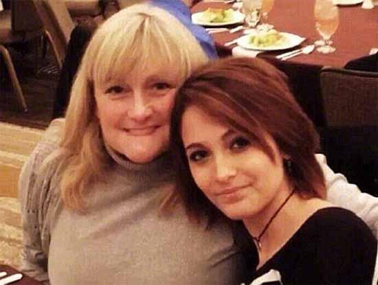 Madre de Paris Jackson tiene cáncer