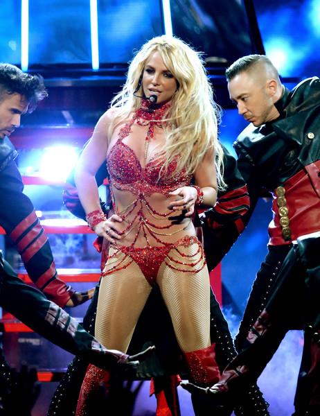 Britney Spears casi muere en Hawaii!!