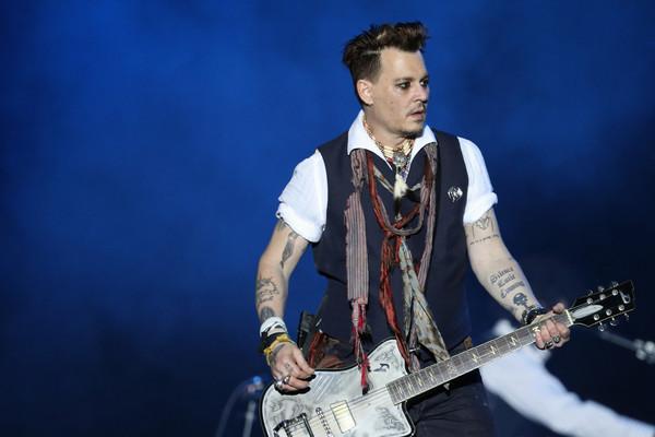 Johnny Depp se cortó un dedo en un ataque de ira