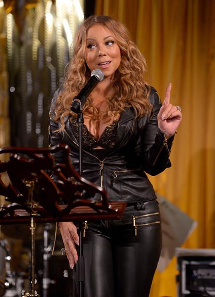 Mariah Carey lanza laptop por la ventana…