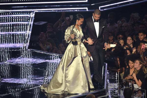 Rihanna y Drake juntos en Miami – LOVE?