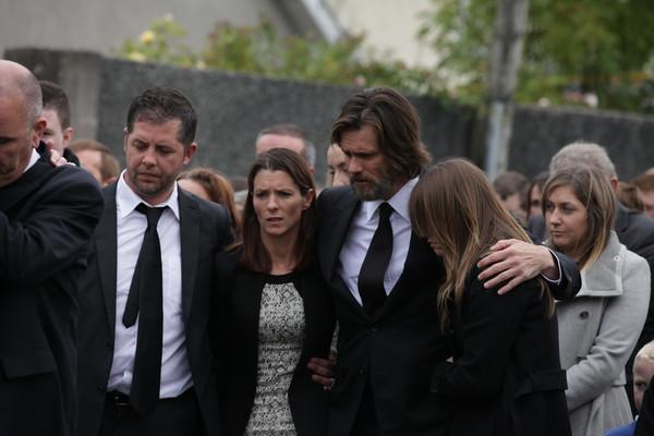 Jim Carrey acusado de contagiar ETS a su ex novia