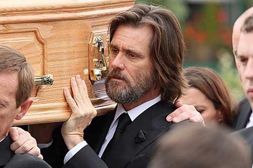 Demandan a Jim Carrey por muerte de su ex novia