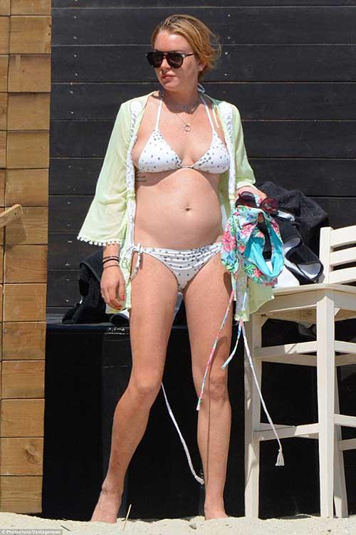 lindsay-bikini.jpg