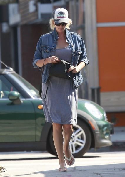 Charlize Theron Gorda!!