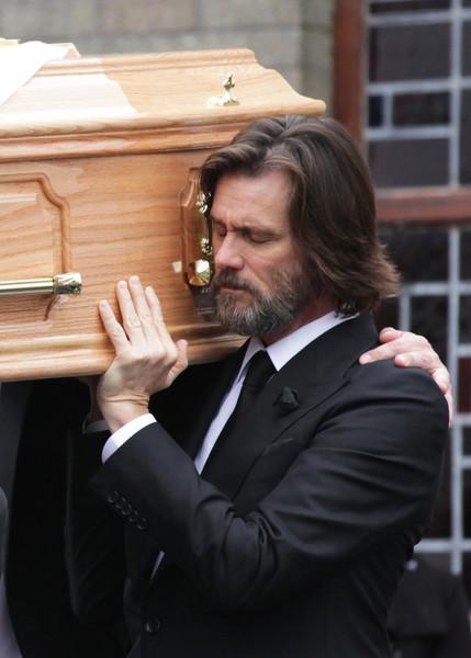 Jim Carrey demandado por madre de ex novia Cathriona White