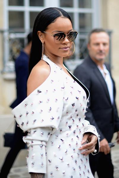 Rihanna pide ayuda para encontrar bailarina desaparecida