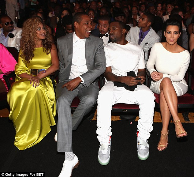 Kanye West revela que Jay Z no lo visitó después del robo de Kim