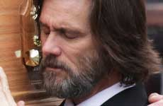 Jim Carrey demandado por madre de ex novia Cathriona White