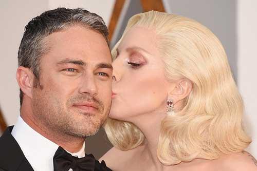 Ex de Gaga, Taylor Kinney tiene nueva novia