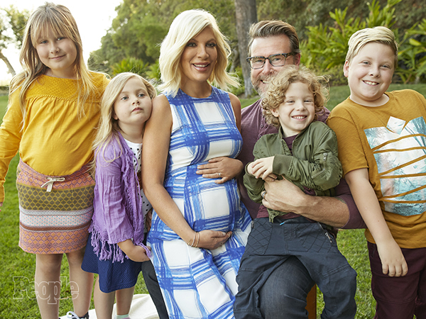 Tori Spelling embarazada por quinta vez!!!