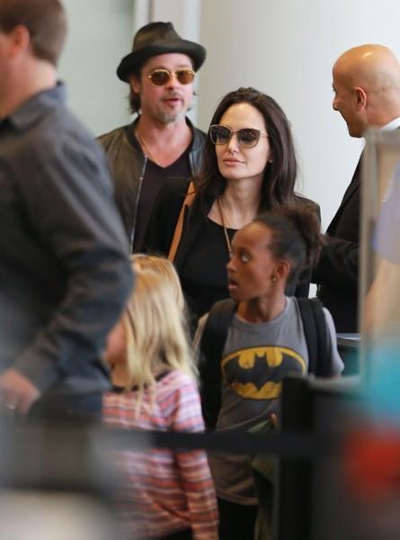 Angelina y Brad no pasaron Thanksgiving juntos!