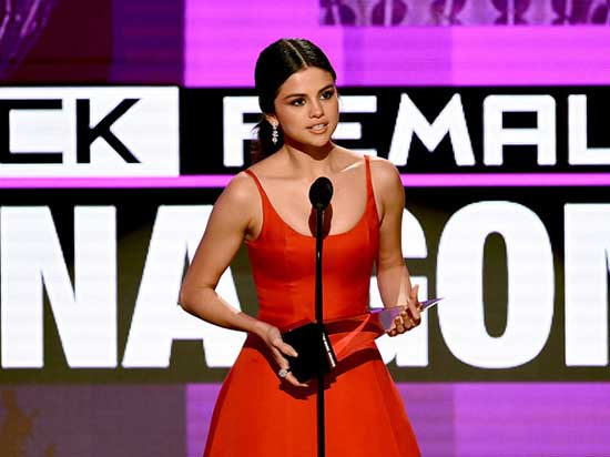 Selena Gomez: 'Estaba destrozada por dentro' - Discurso AMAs