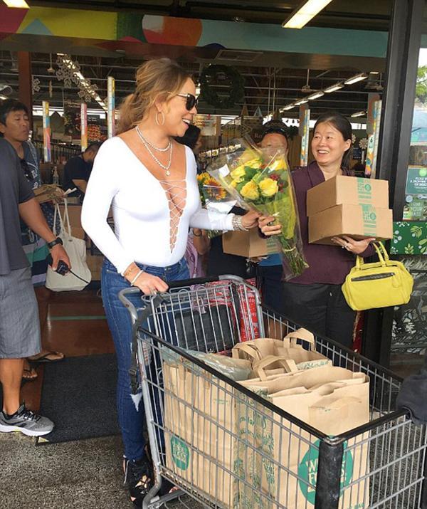 Mariah Carey en Hawaii - Instagram Photoshop FAIL!