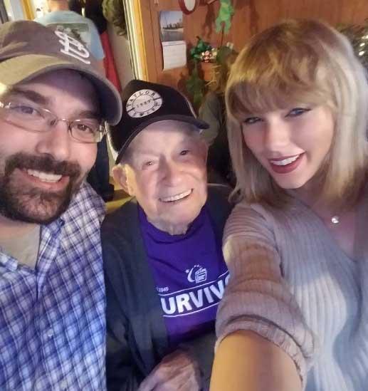 Taylor Swift sorprende a su fan más viejo! CUTE!