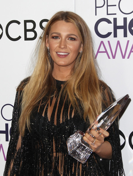 Blake Lively People's Choice Awards 2017
