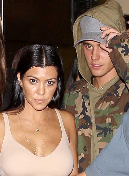 Kourtney Kardashian sale con Bieber pero está con Scott